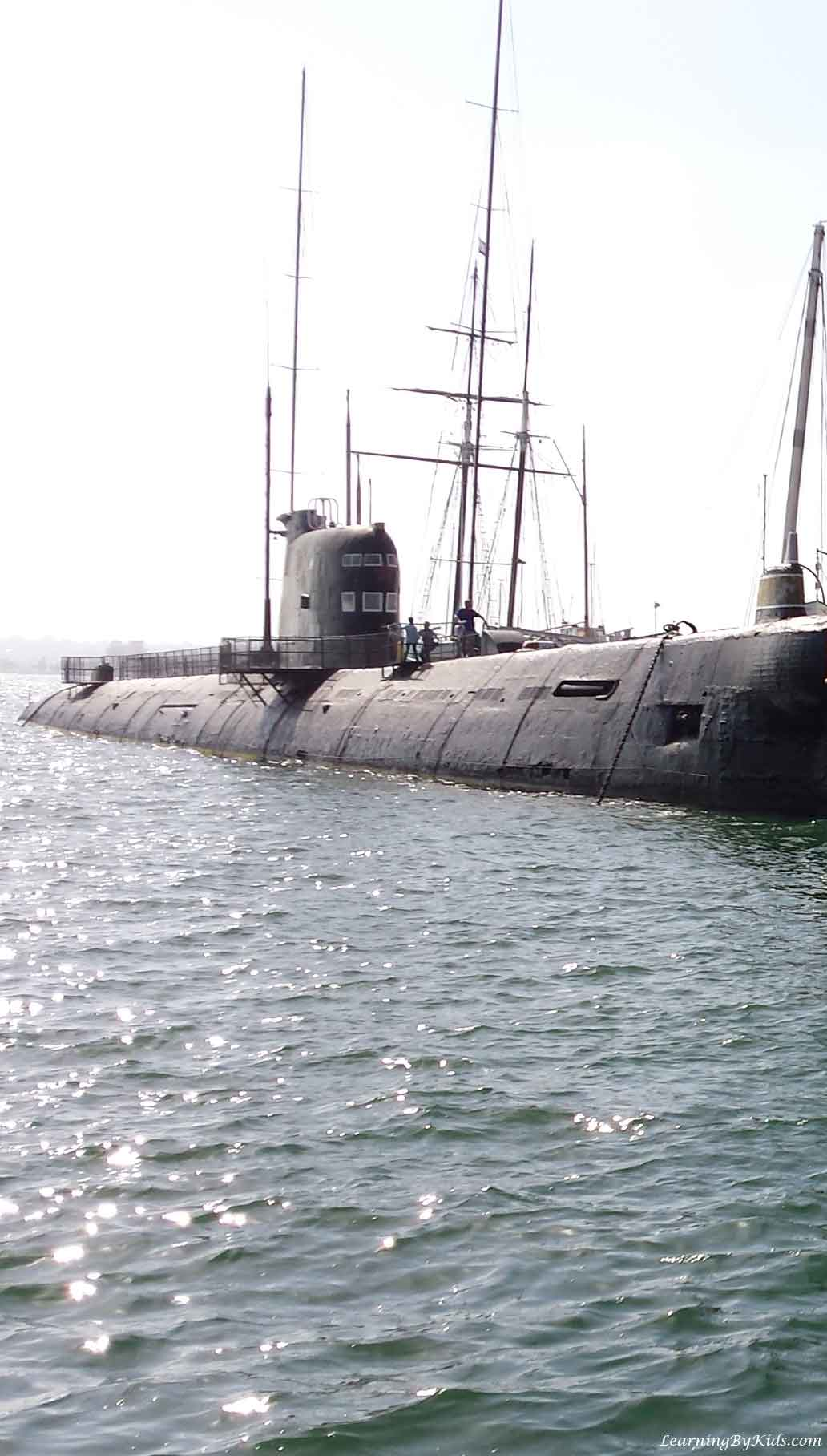 Visiting the Cold War Era Soviet B-39 Submarine | LearningByKids.com